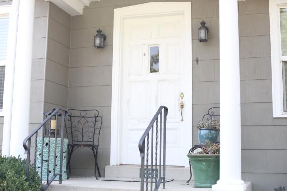 front door white2